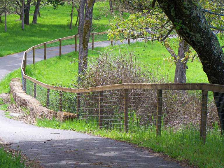 DiFranco Gate & Fence - Residential & Commercial Custom Fence Contractor - Wire Mesh Fence - Cotati CA