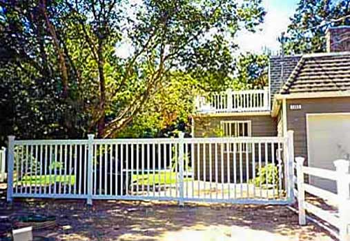 DiFranco Gate & Fence Company - Custom Corral Fences - Corral Corner Fence with Tall Picket Fence for Yard - Santa Rosa, CA