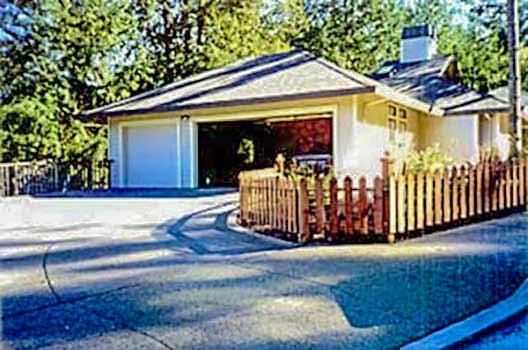 DiFranco Gate & Fence Company - Custom Built Picket Fences - Picket Fence with Post Caps - Healdsburg, CA