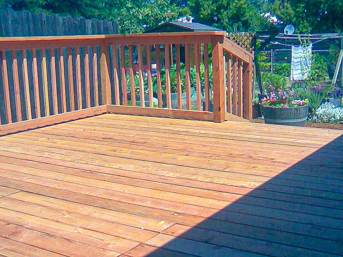 DiFranco Gate & Fence Company - Full-Service Custom Built Deck Construction Company - Custom Built Wilford Redwood Board Deck with Railings and Stairs - Residential & Commercial Contractor Services - Petaluma CA